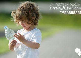 A água é importantíssima para o desenvolvimento da criança. Para ressaltar isso, preparamos um texto com dicas de como manter seu filho hidratado.