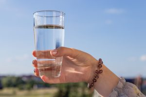 No dia 22 de março comemoramos o dia mundial da água, criada em 1992 pela Organização das Nações Unidas, simbolizando mundialmente a sua preservação. Devemos sempre nos conscientizar, para que isso não aconteça. Com isso, citaremos a sua importância e dicas para usá-la com sabedoria.)