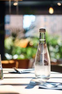 O inverno chegou e se hidratar nessa época do ano é essencial. Separamos algumas dicas para você beber mais água nesses dias frios.